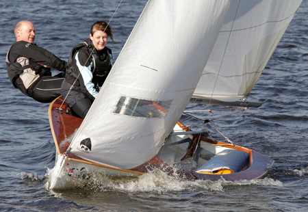 Double handed boat sailing